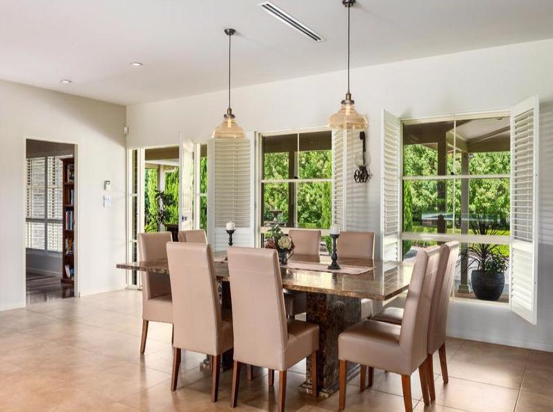 jaspers dining room